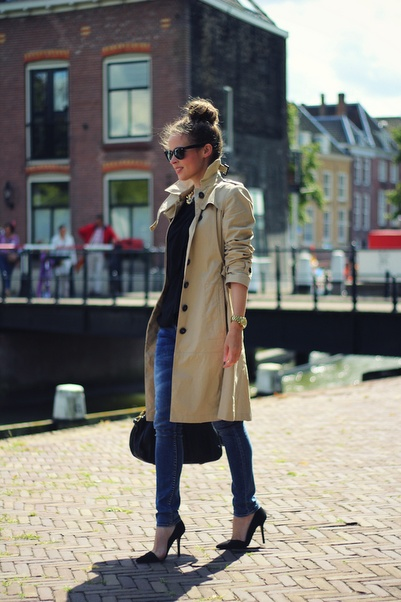 pinterest_trench coat with sleeves scrunched
