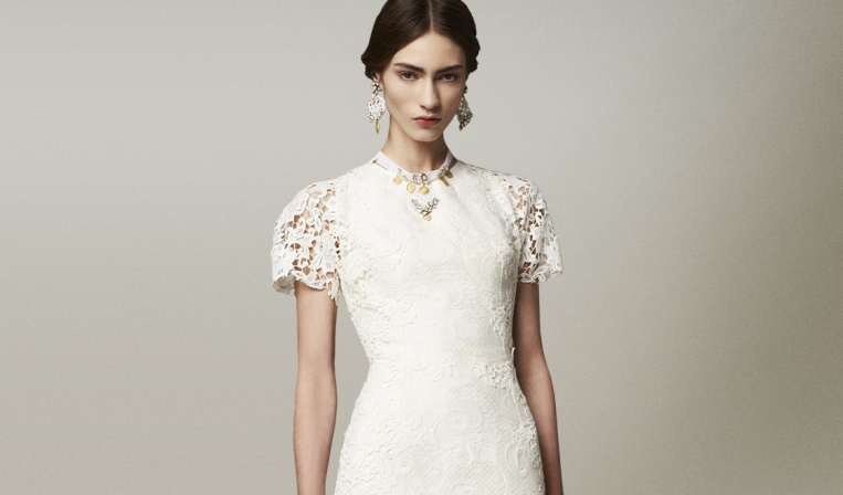 dolce-and-gabbana-fw-2014-womenswear-white-lace-dress